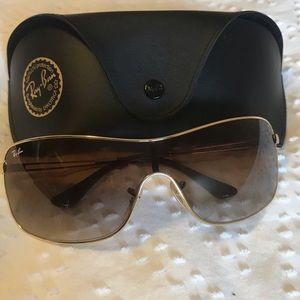 BNWOT Ray-Ban 160mm Shield Sunglasses - brand new